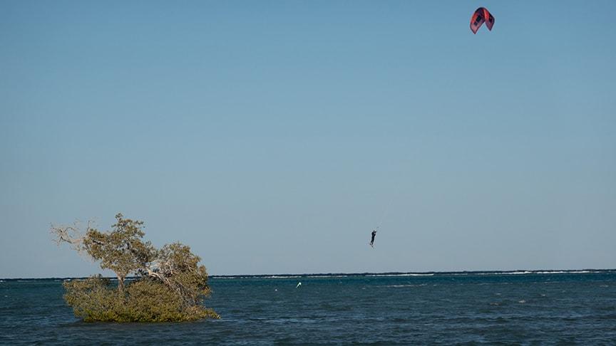 Kiter im Sprung mit DT Neo Reiseblog Ägypten Tag 1